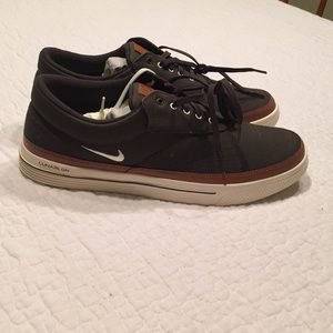NIB - Nike Lunaron Two-Tone Wingtip Golf Shoes